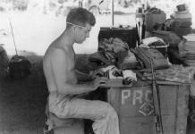 Il corrispondente di guerra Cyril O'Brien nel 1944